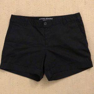 Banana Republic City Chino Black Shorts